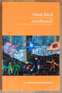 Marlies Wopereis van Lopende teksten uit Den Haag heeft het boek Geen kind overboord geschreven.